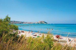 Strand von Calvi mit Blick auf die Zitadelle